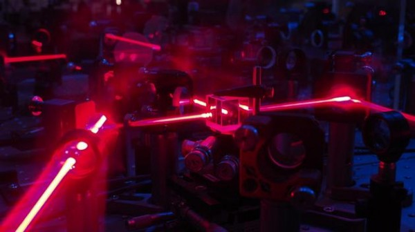物理学家利用人工智能设计量子力学实验