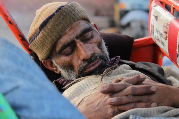 研究警告:好好睡觉!失眠恐与老年痴呆症有关