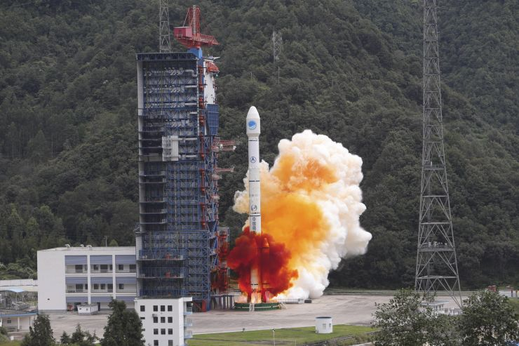 """中国""""一箭双星""""成功发射两颗北斗全球导航卫星 关键"""