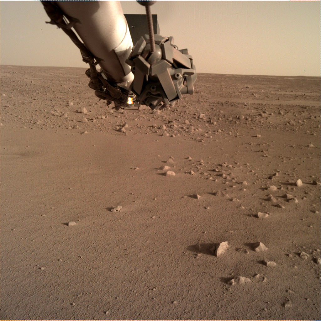 _mars.nasa.gov_insight-raw-images_surface_sol_0168_idc_D015L0168_611458375EDR_F0103_0100M_.PNG
