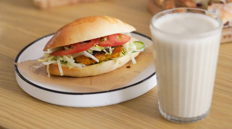 bread-breakfast-bun-2335690.jpg