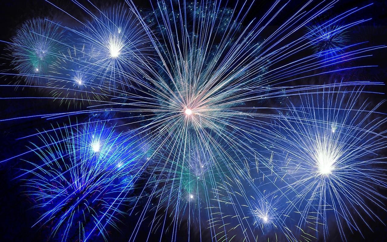 fireworks-574739_1280.jpg